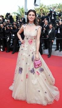 Romance care au stralucit la Festivalul de Film de la Cannes: admira tinutele actritelor pe covorul rosu