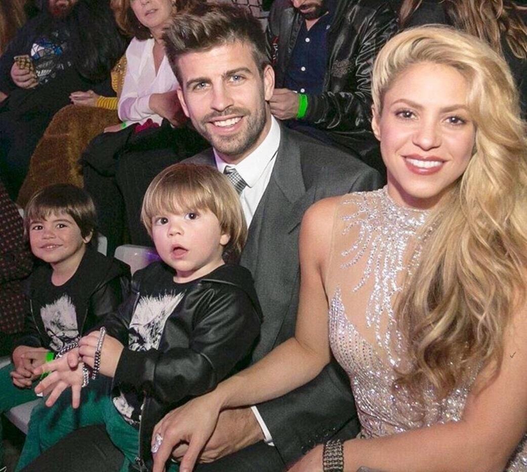 "Shakira se destainuie si vorbeste despre experienta de a fi mama: ""Barbatii pot face doar doua lucruri bine: sa mestece guma si sa traverseze strada"""