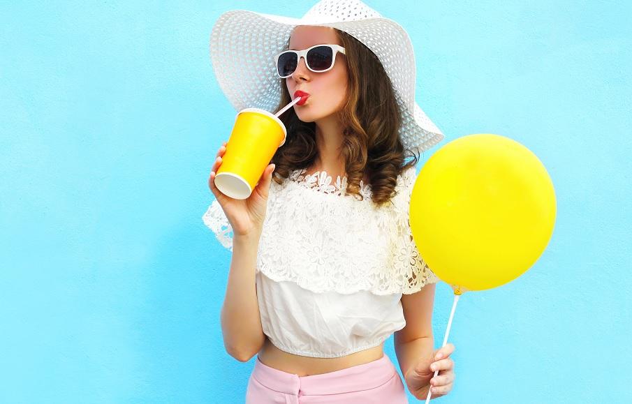 Cum evitam balonarea in vacanta: 8 sfaturi care te feresc de neplaceri