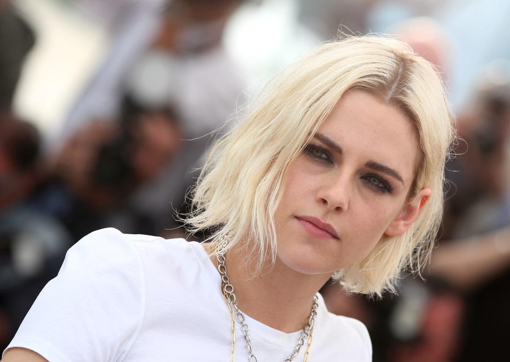 Actrite celebre care se iubesc cu alte femei