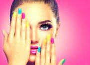 Te-ai saturat de oja sarita de pe unghii? 5 trucuri pentru o manichiura de durata