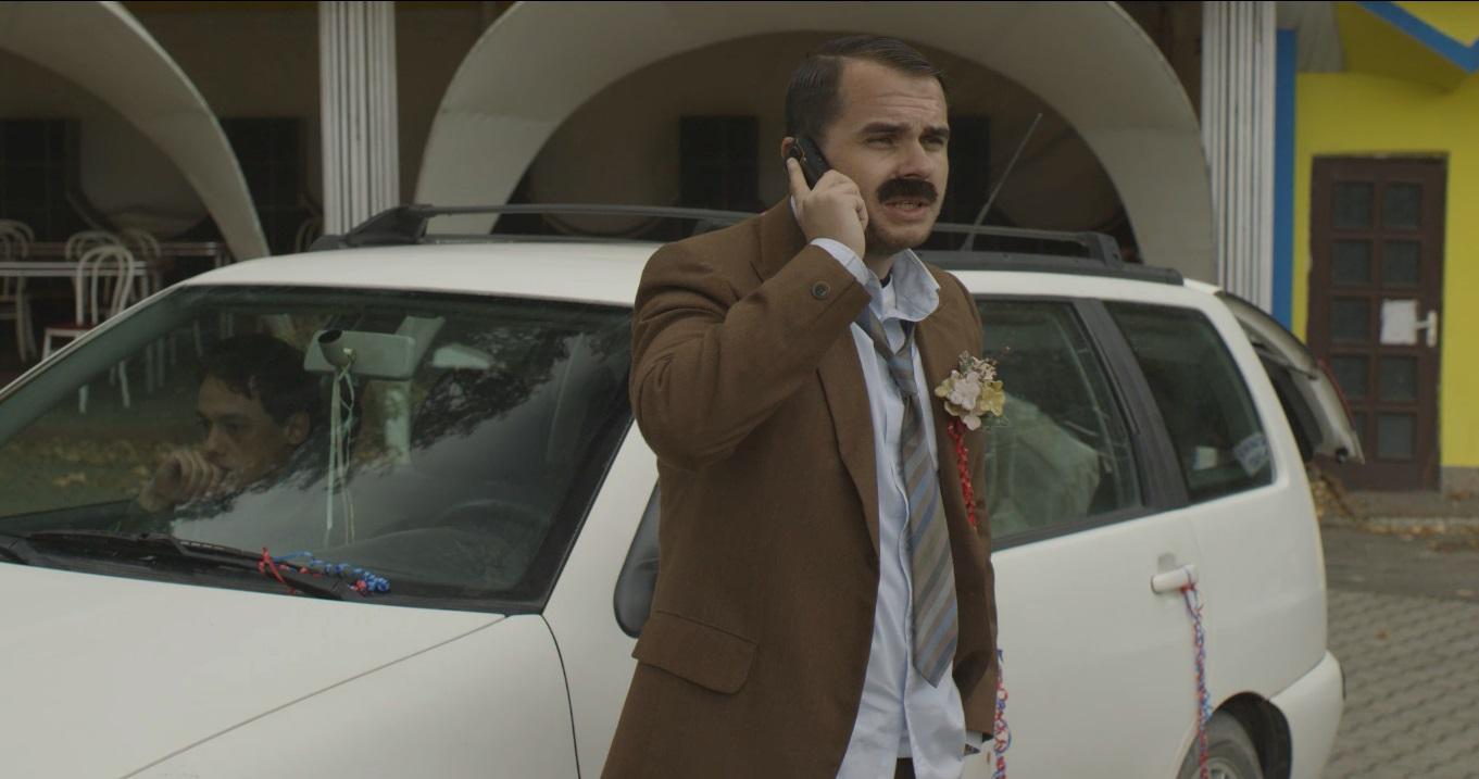 """Codin Maticiuc, de nerecunoscut in comedia ,,Ghinionistul"""""""
