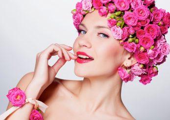 Cele mai eficiente remedii cu apa de trandafiri: 6 moduri de utilizare