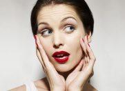 7 moduri in care grabesti aparitia ridurilor: tu faci aceste greseli?