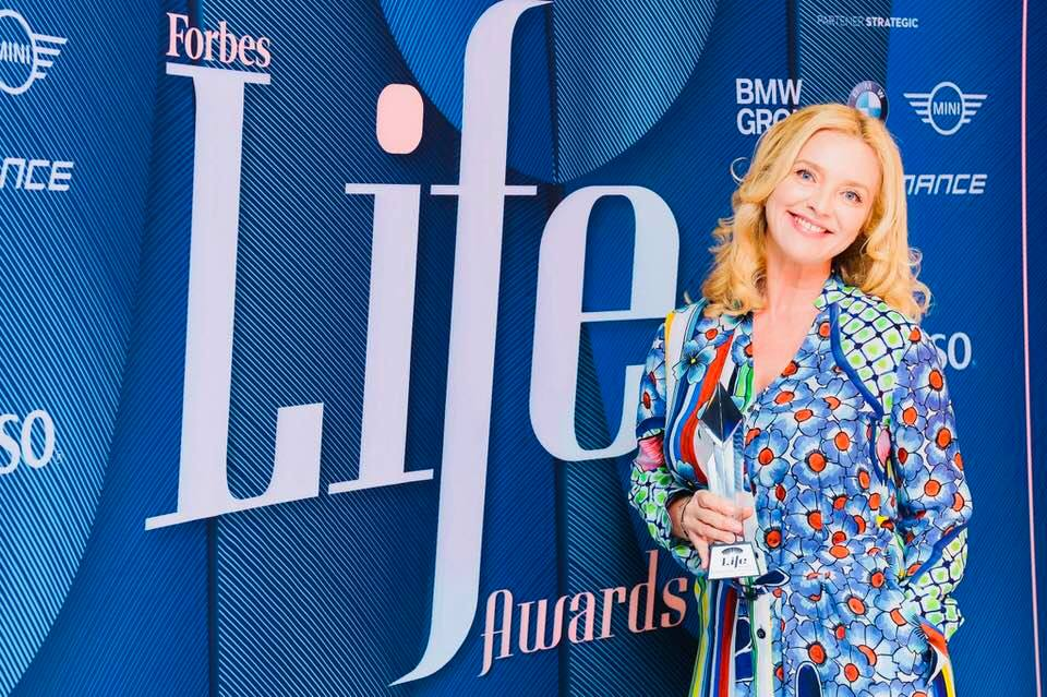 Gala Forbes Life Awards: Otilia Ostrotki, director general Tonica Group, premiata cu trofeul Life Personality