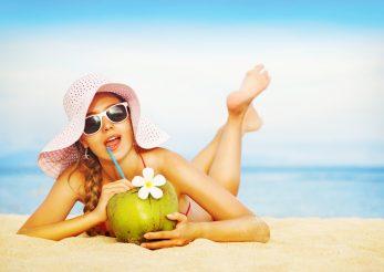 Racoreste-te pe nisipul fierbinte! Pregateste kit-ul pentru plaja