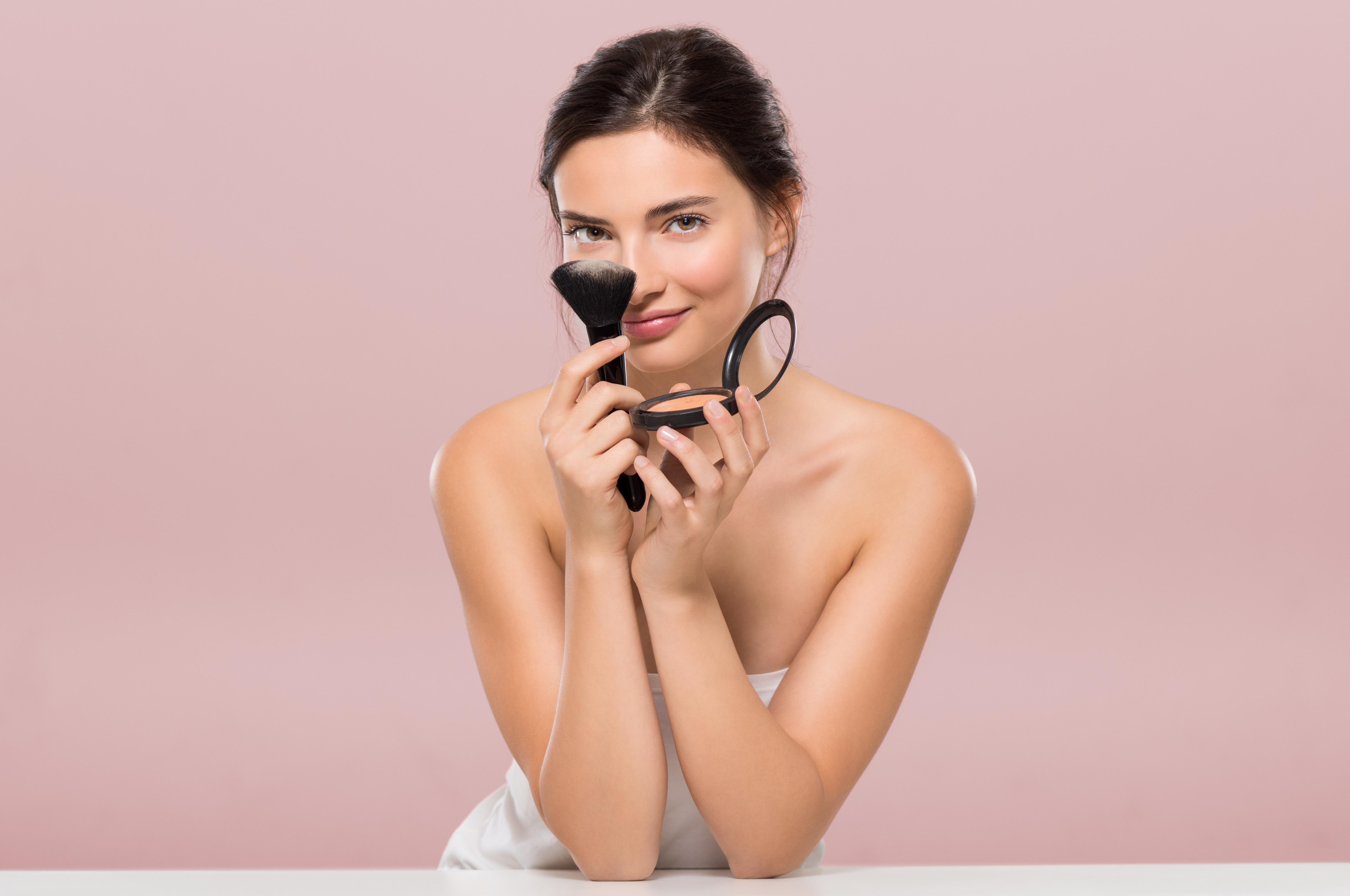 Spune-mi ce tip de ten ai ca sa-ti spun cum sa-l pregatesti pentru make-up!