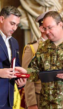 Alexandru Ciucu a realizat noile uniforme ale Armatei Romane