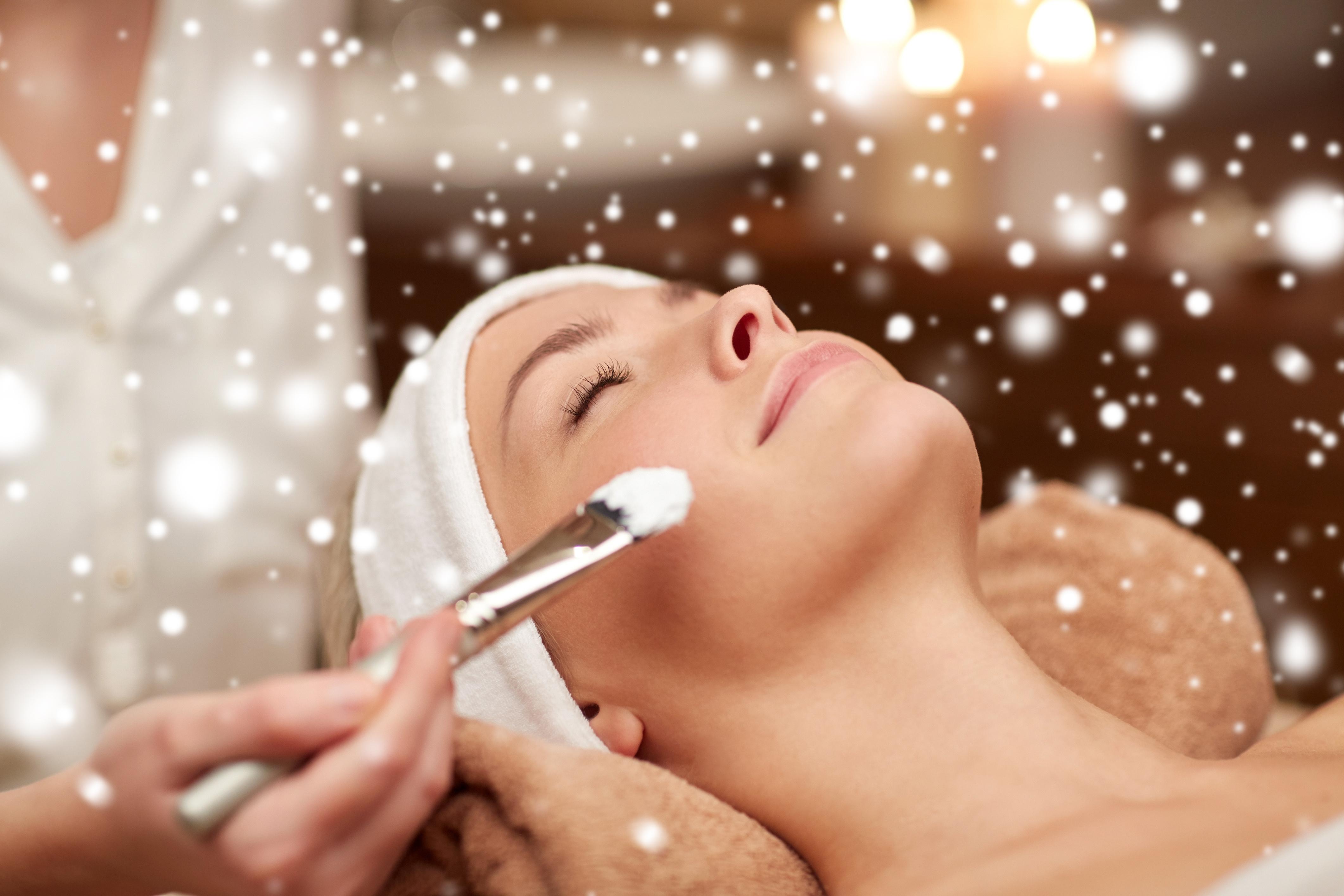 Ai tenul sensibil la frig? 7 masti faciale pentru a face fata iernii