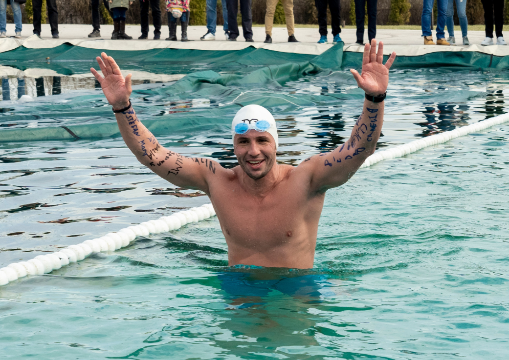 Paul Georgescu, primul record romanesc in apa inghetata!