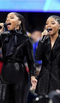 Protejatele lui Beyonce imbracate de un brand romanesc