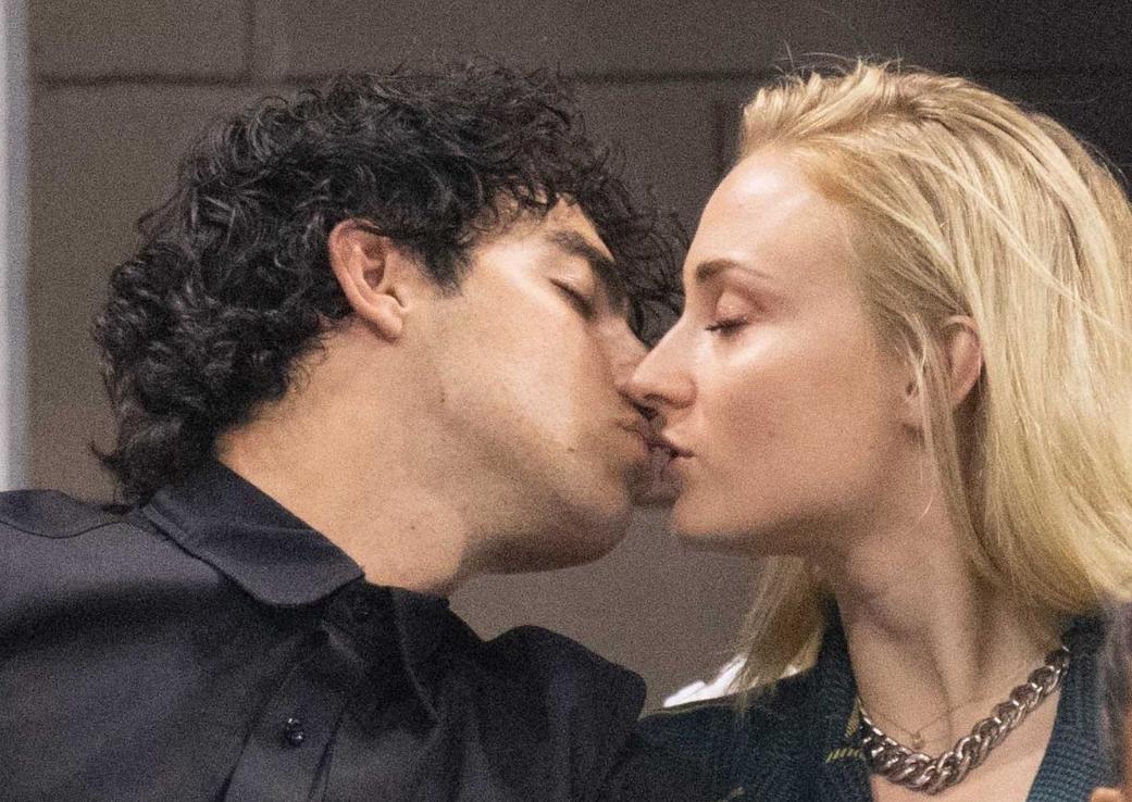 Sansa din Game of Thrones s-a casatorit in secret