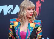 VMA Awards: covor roșu controversat