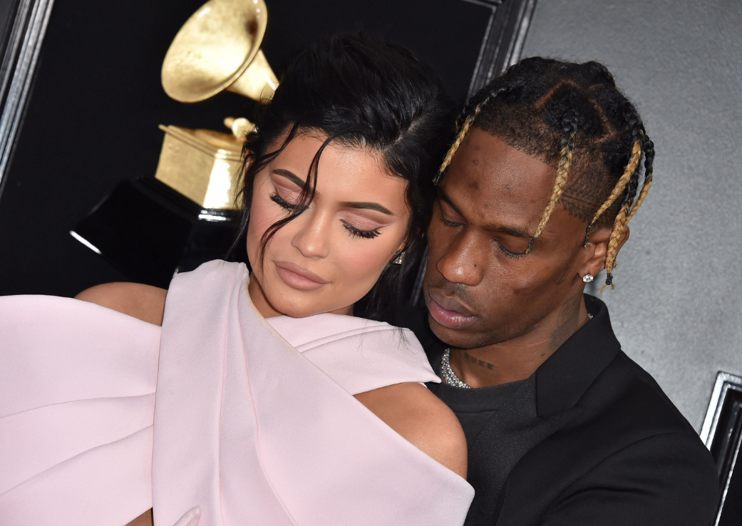 Kylie Jenner și Travis Scott – Bat clopote de nuntă?