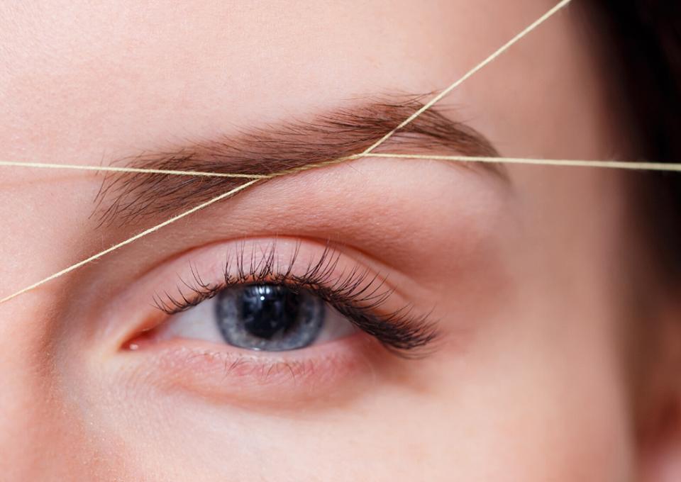 Eyebrow Threading – noul trend in materie de sprâncene