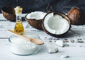 """Uleiul de cocos """"apa sfântă pentru păr"""""""