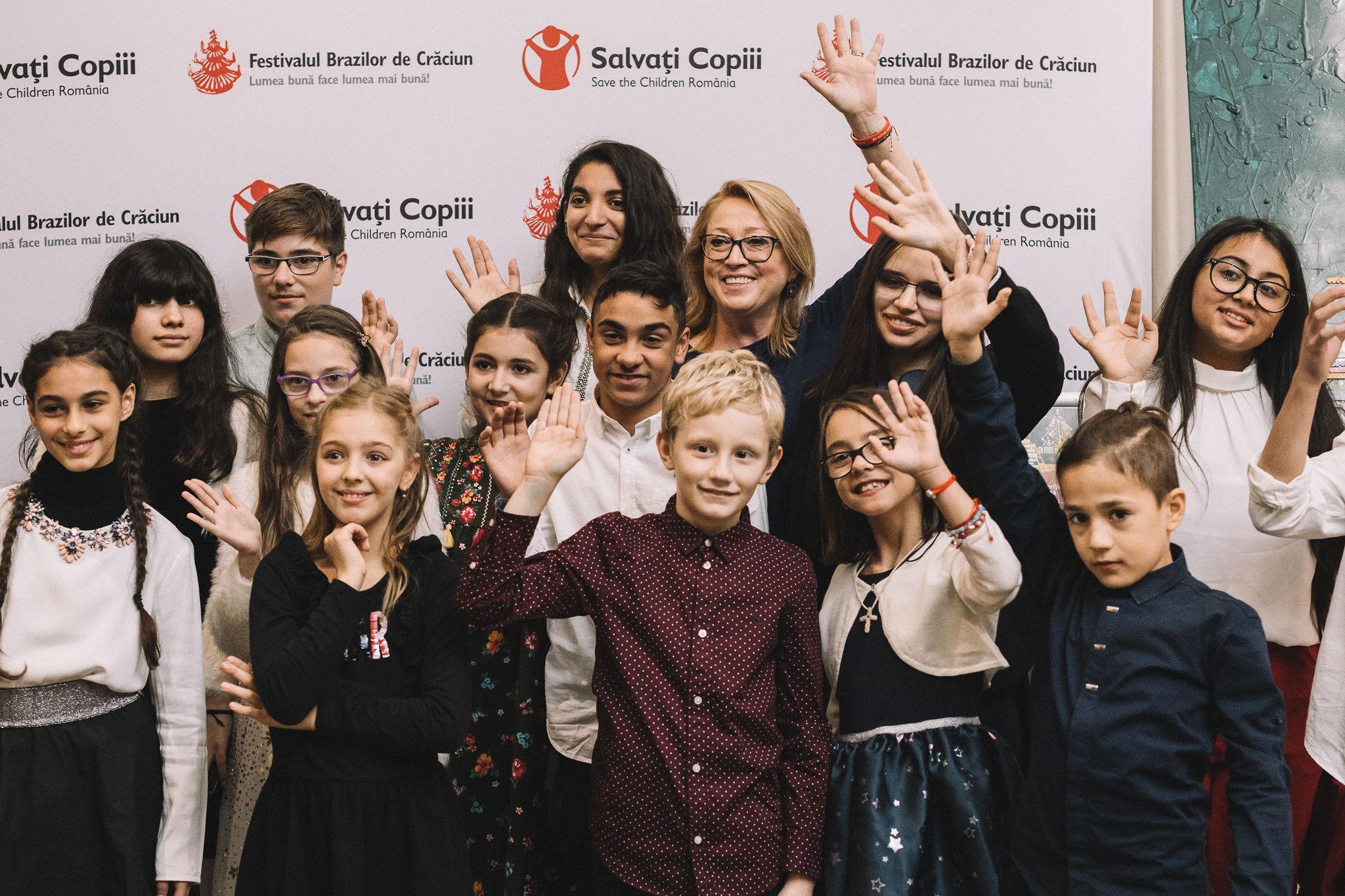 """Festivalul Brazilor de Crăciun 2019: Catena, alături de """"Salvați Copiii"""" în lupta împotriva abandonului şcolar"""