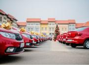 Extragerea pentru cele 20 de autoturisme Dacia, oferite de Catena, în direct la România TV