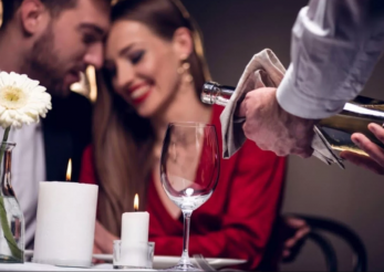 Ţinute pe care să le porţi la cina de Valentine's Day