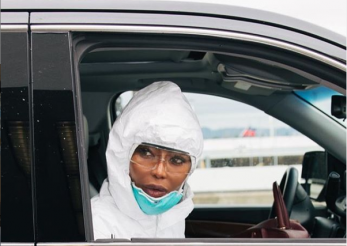 Cum se protejează Naomi Campbell de coronavirus