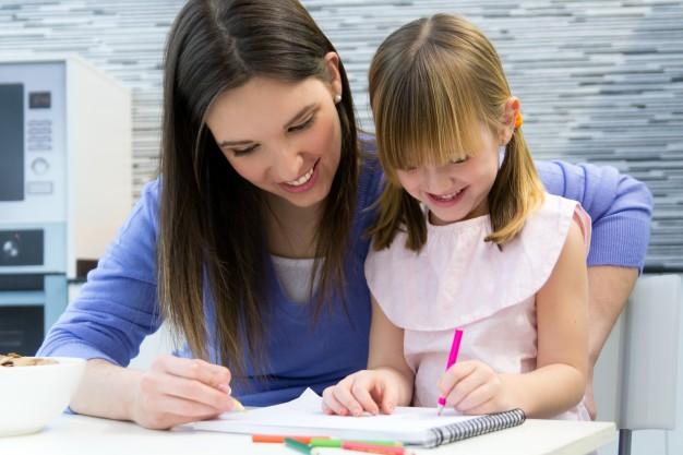 Educația acasă – 5 moduri de a o face mai uşoară şi mai eficientă