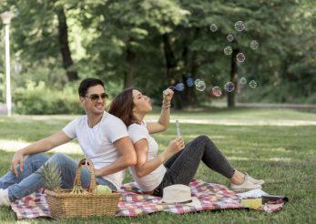 Ţinute de vară şi accesorii pentru picnic, plimbări şi barbecue