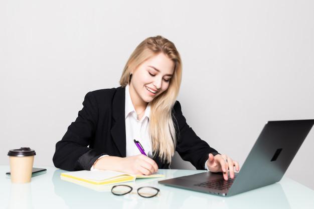 5 lucruri care te împiedică să promovezi în carieră. Ce spune expertul