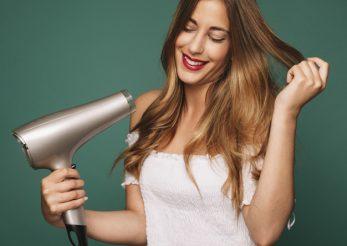 Cum să îți speli părul acasă pentru rezultate ca la salon