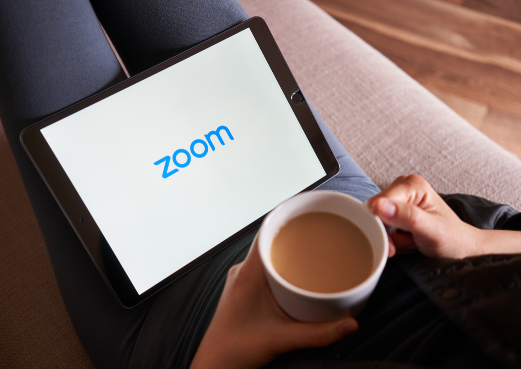 Cum să combați oboseala cauzată de Zoom