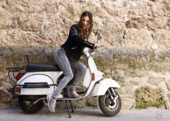 Dior a lansat cel mai stylish model de scuter Vespa