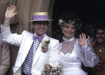 Elton John, bun de plată