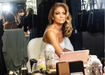 Jennifer Lopez va lansa un brand de beauty