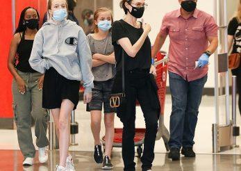 Angelina Jolie şi-a scos copiii la shopping
