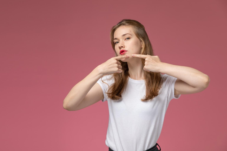 Mituri despre acnee, ce este adevărat și ce e fals