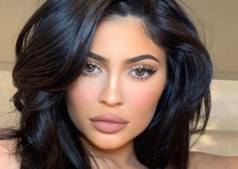Kylie Jenner recomandă loțiunea-minune creată de un român