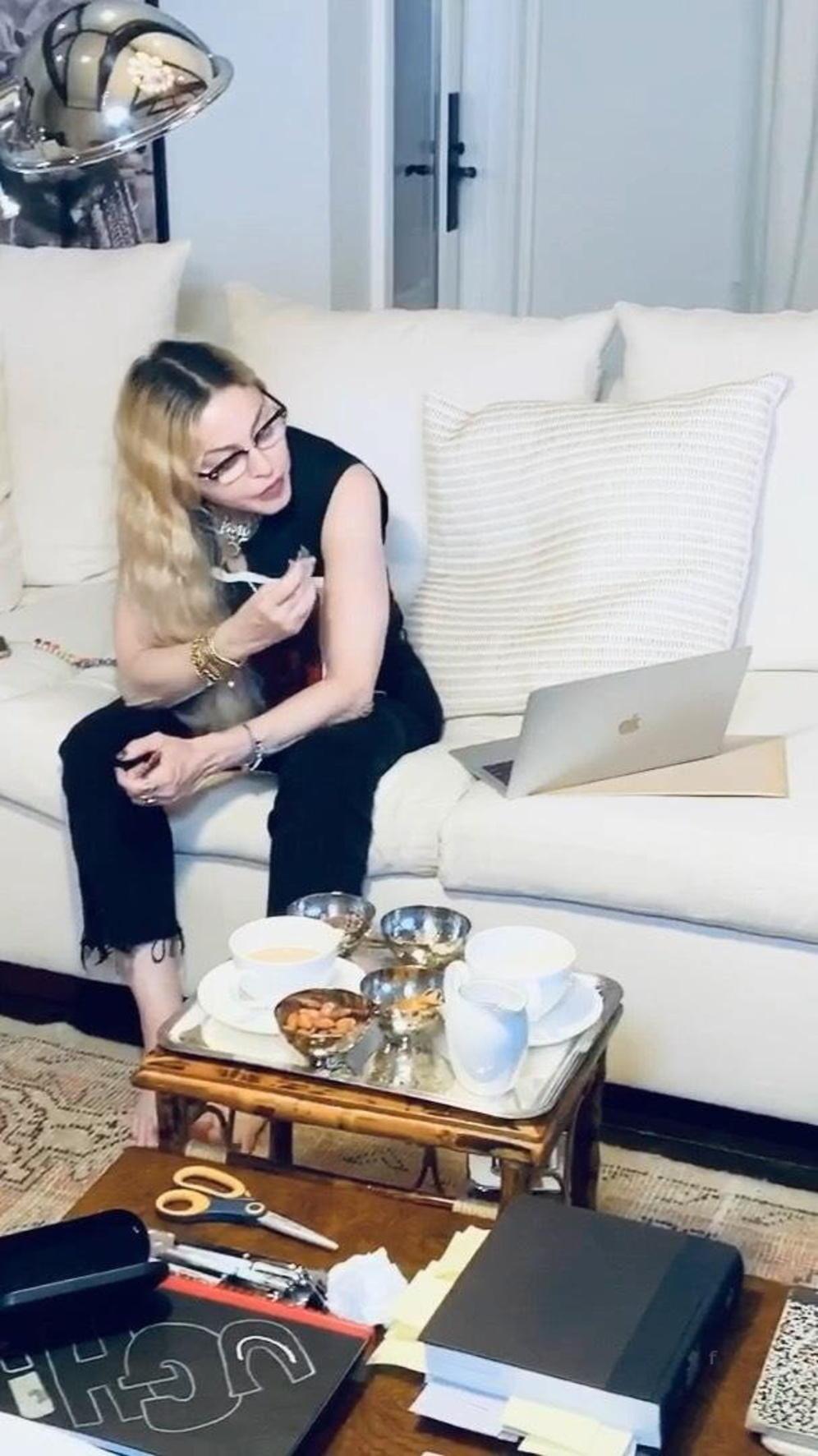 Madonna îți spune singură povestea