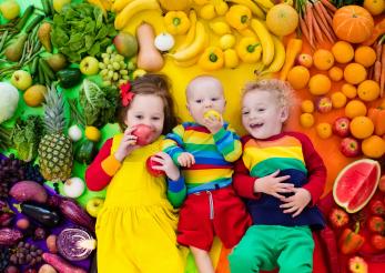 Ce și cum le dăm celor mici să mănânce ca să aibă o digestie bună