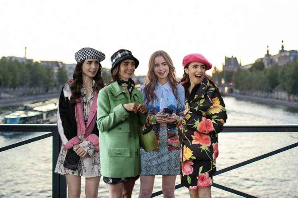 "Topul outfiturilor inspirate din ""Emily in Paris"""