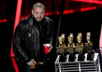 Câştigătorii galei Billboard, 2020