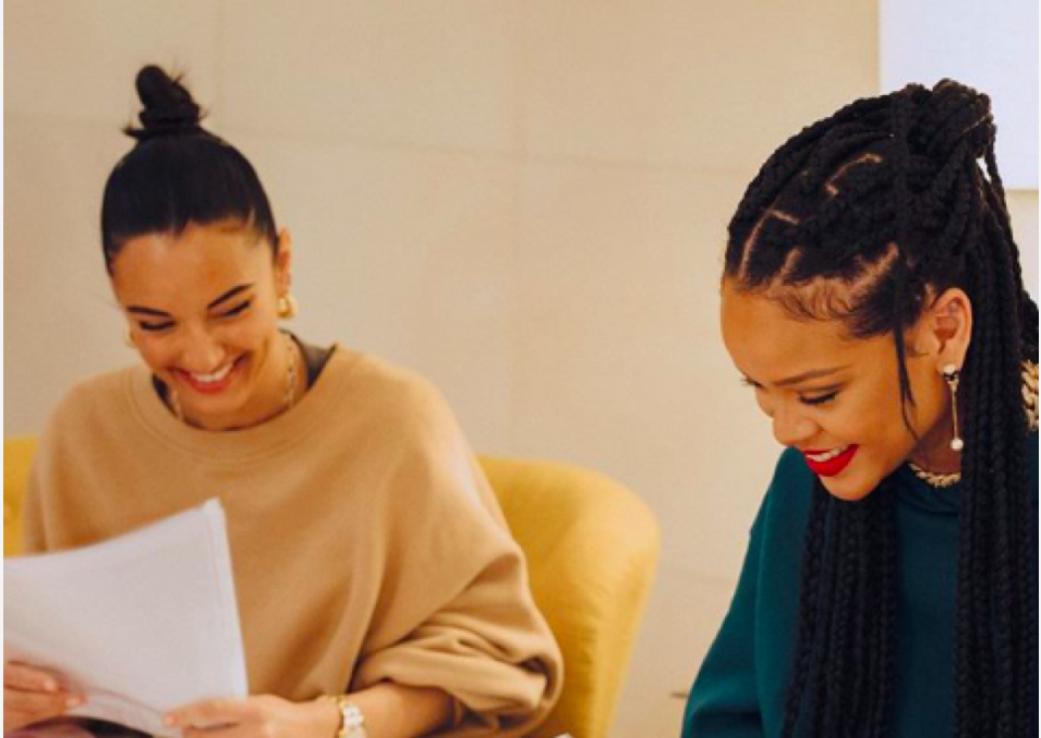 Sandalele de toamnă by Rihanna și Amina Muaddi
