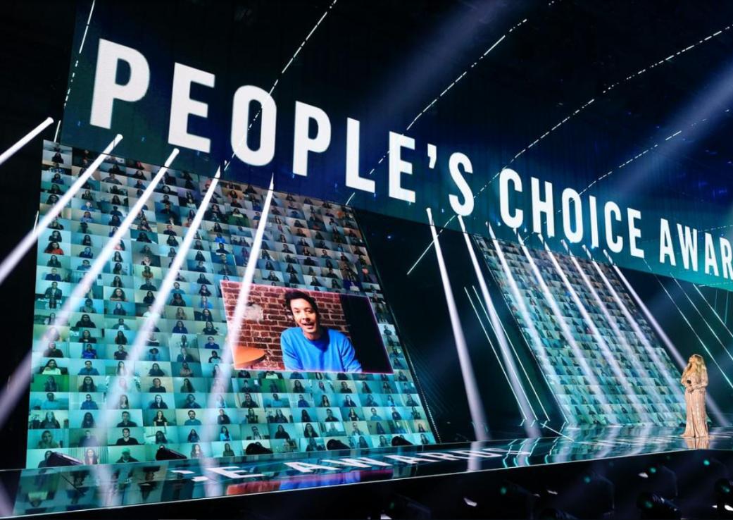 Stilul premiat la E!Choice Awards