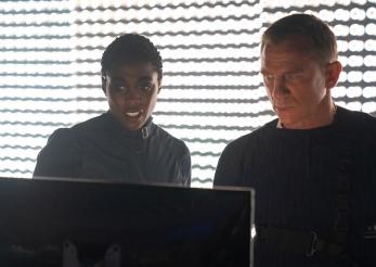 Agentul 007 hărțuit pe rețelele de socializare