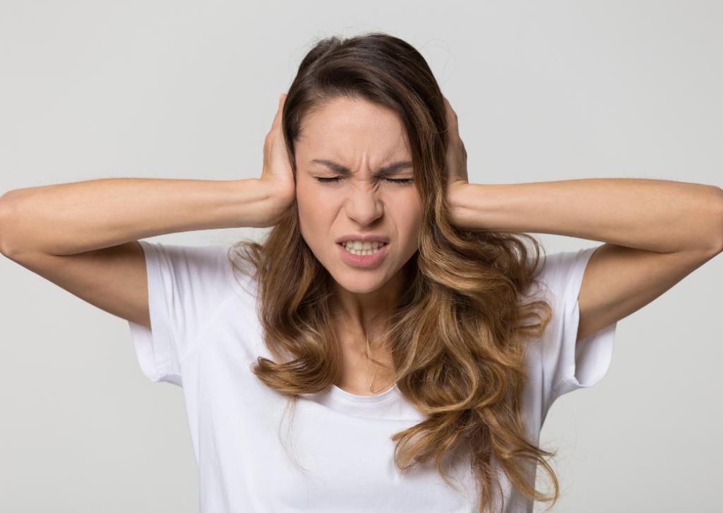 COVID-19 ar putea cauza probleme de auz