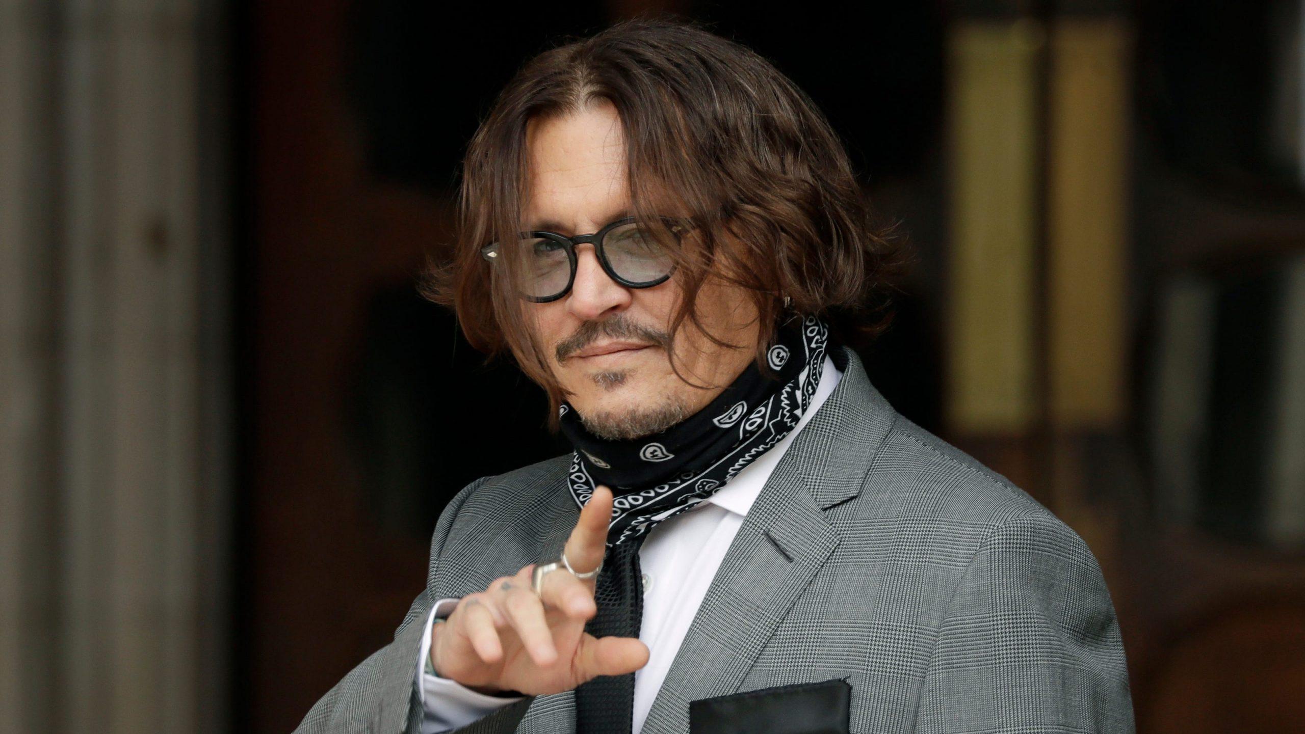 """Johnny Depp pierde în faţa lui """"The Sun"""""""