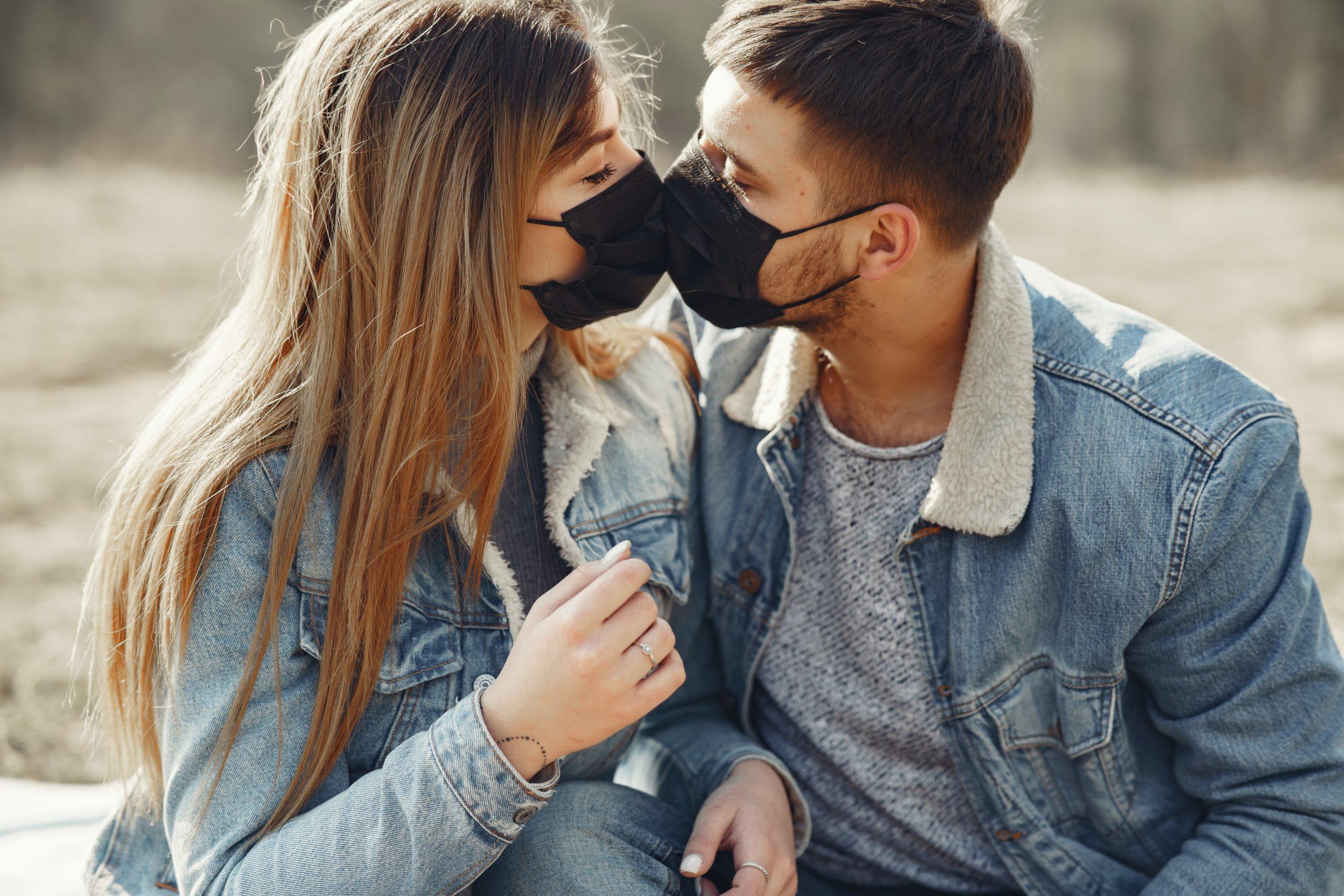 Jessica Biel şi Justin s-au îndrăgostit vorbind la telefon / Video