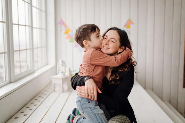5 moduri să îți ajuți copilul să crească înalt