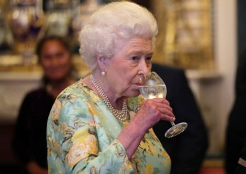 Regina Elisabeta a II-a și-a lansat propriul gin