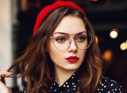 Ghid de makeup pentru purtătoarele de ochelari