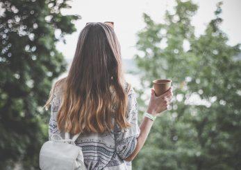 Legătura dintre cofeină și creșterea părului