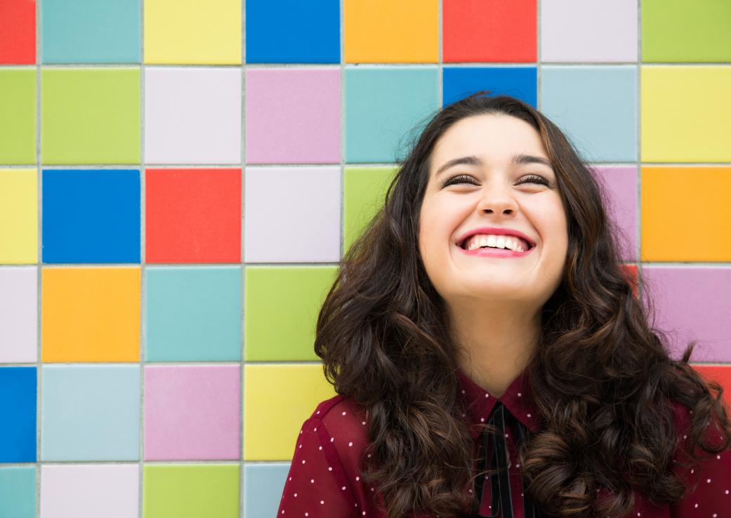 Râsul, terapie comportamentală